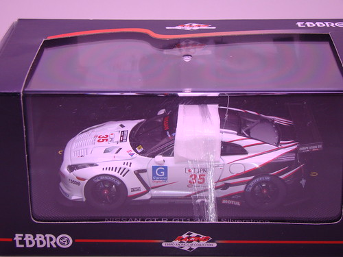 EBBRO NISSAN GT-R GT1 2009 SILVERSTONE (12)