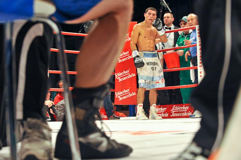 Dejan Zavec vs. Rodolfo Ezequiel Martinez 20100409_8800
