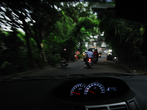 En Route: Chasing a flock of motor scooters