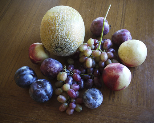 civic center farmer's market haul: plums, nectarines, grapes and shaolin melon