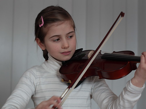 Girl with violin 2 by fotoroto, on Flickr