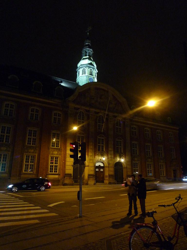 preguntando por una calle de Copenague