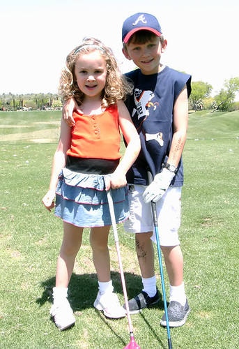 Golfing Cavekids