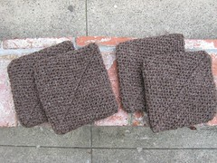 Potholders_2009_12_27_brown_crocheted
