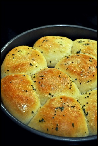 Ree's Buttered Rosemary Rolls