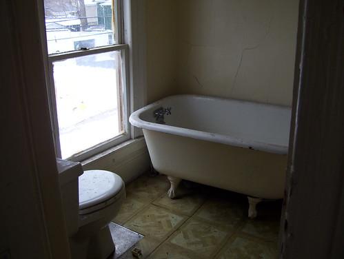 2nd floor bath rm - apartment era