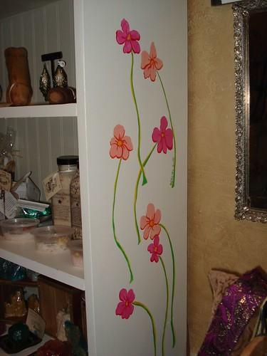 White flower shelf side