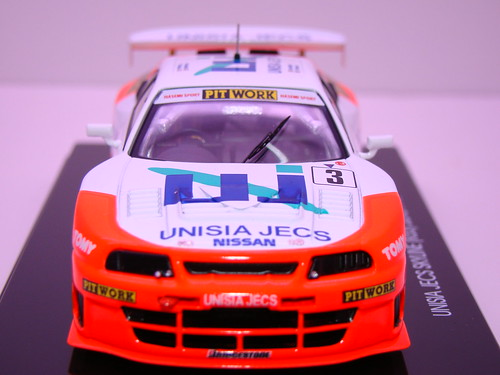 EBBRO UNISIA JECS SKYLINE R33 JGTC 1998 (3)