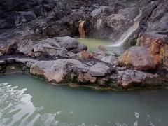 天然溫泉池