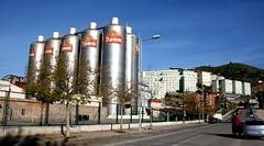 fabrica damm cerveza