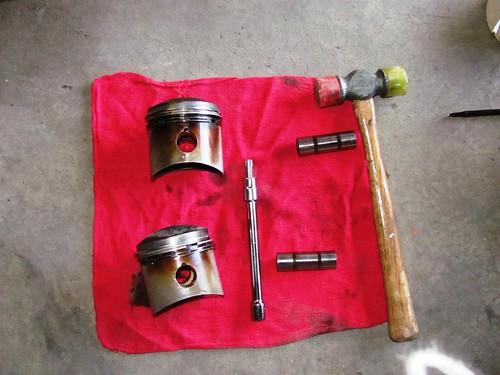 Pistons, wrist pins, tools