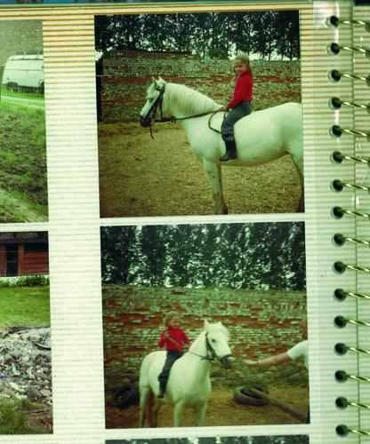 ... op haar paardje