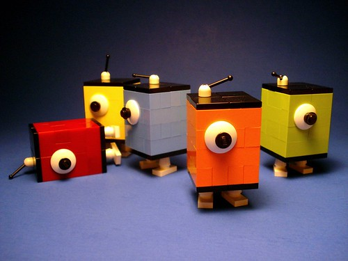 LEGO Andy Warhol robots