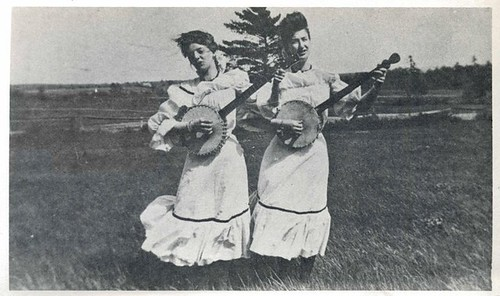 banjo ladies.jpg