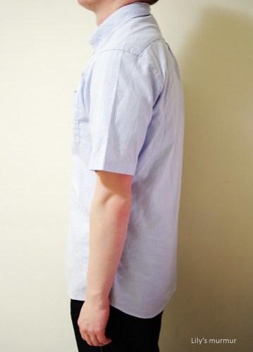 MKL示範「條紋牛津衫」(藍白條)側面照