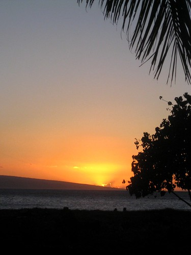 sunset on ka'anapali beach