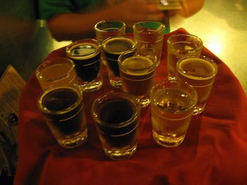 beer sampler at maui brewing