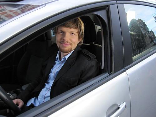 de lievelingschauffeur van dames op leeftijd ....