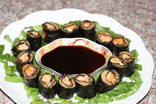 金菇白花三文魚卷