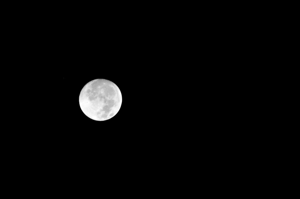 Moon in Saint Thomas