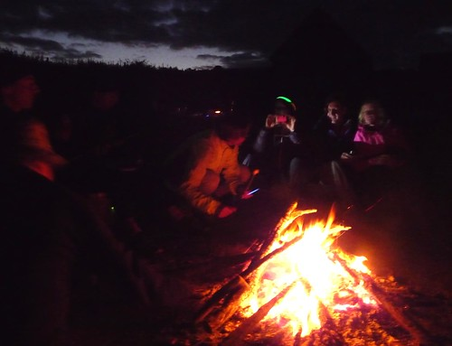 Evening campfire by Guy and Janines' photos.