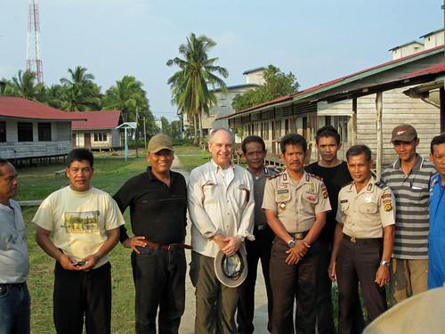 Foto Bersama pak Dubes dgn saya dan team Pengaman dari Polda