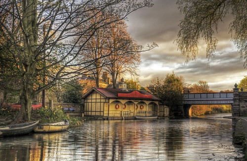 Union Canal boathouse - Explored