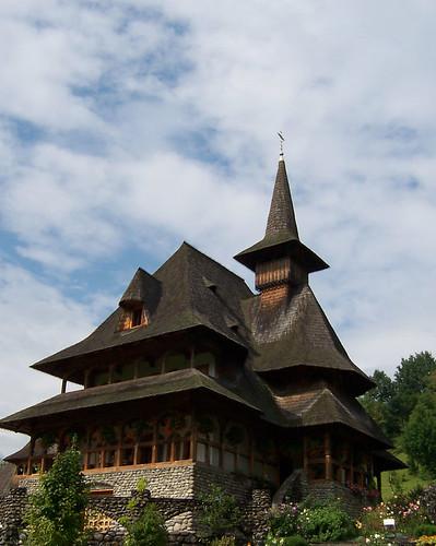 Casa dentro del complejo del monasterio de Barsana