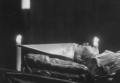 ssh, Pope Pius XII is sleeping