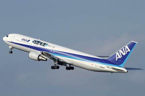 ANA B767-300(JA8342)