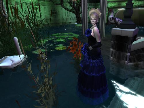 Flora - Blue Dahlia IV