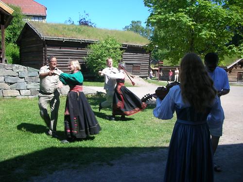 Telemark dance in full swing