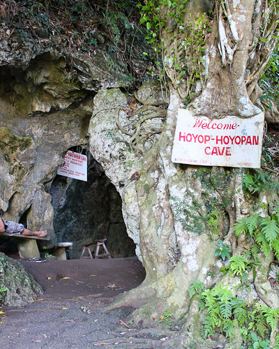 Entrance to Hoyop-hoyopan Cave