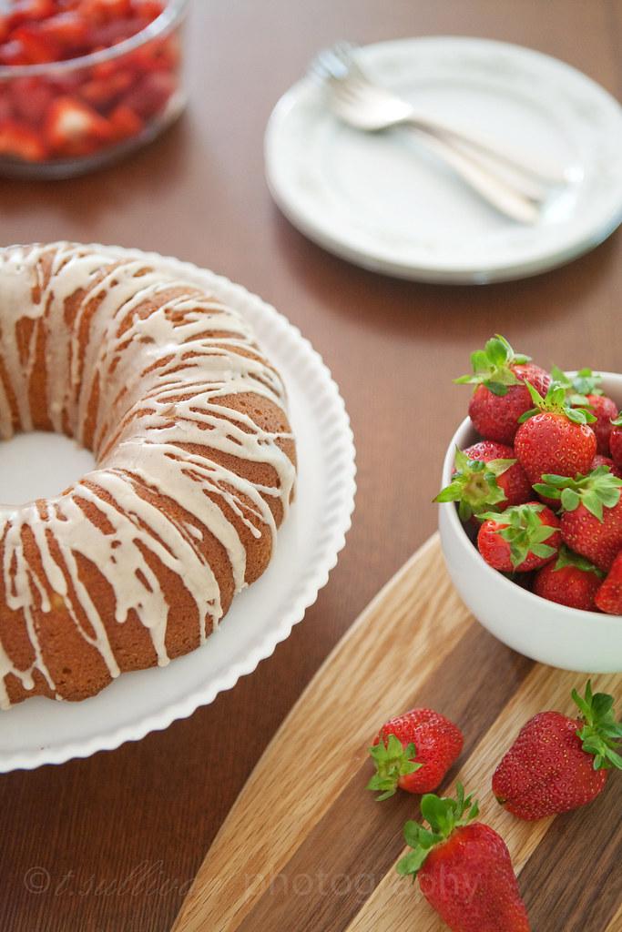 Vanilla Bean & Bourbon Bundt Cake