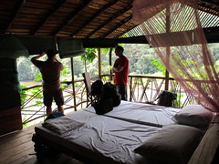 Kitugala, cabin over the river