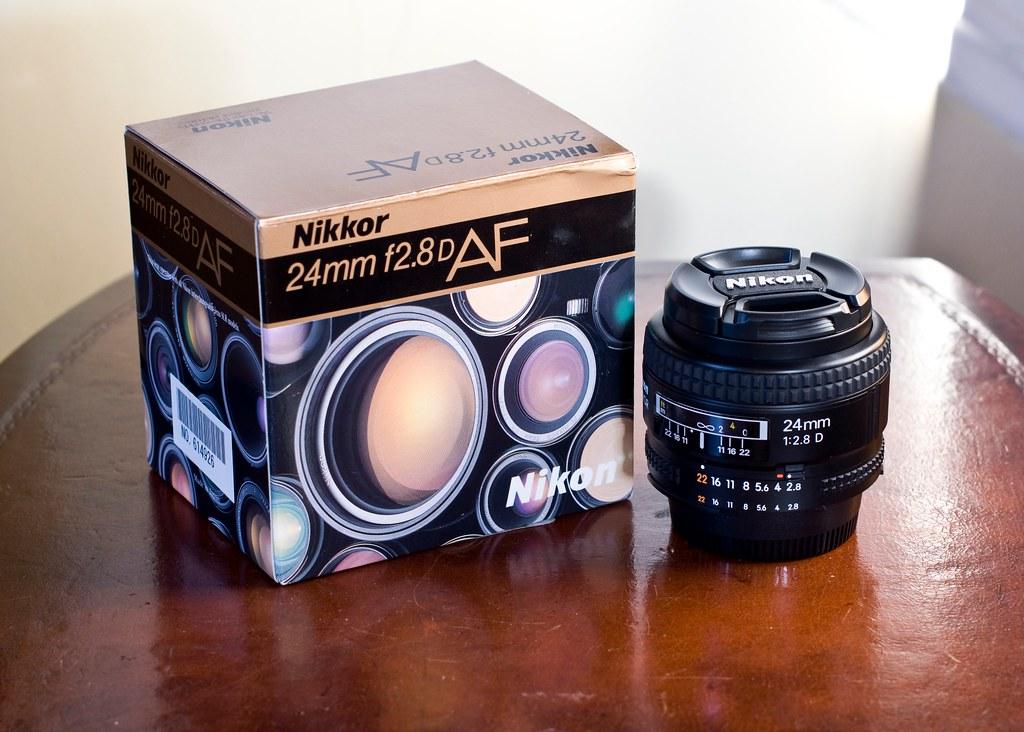 camera lens and box