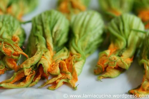 Zucchiniblüten gebacken mit Pistou 1_2010 08 14_8920