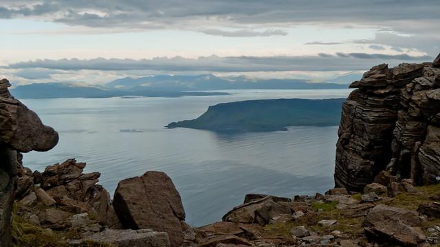Eigg sandwiched between the rocks
