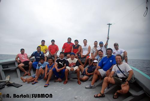 Tripulación y observadores pesqueros de la Subsecretaría de Pesca de Ecuador