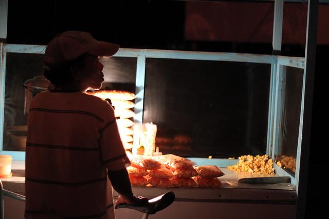Popcorn vendor in Bacolod - 1