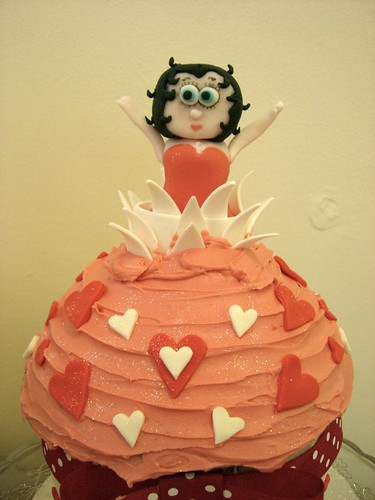 Cirencester Cupcakes - Giant Betty Boop Cupcake