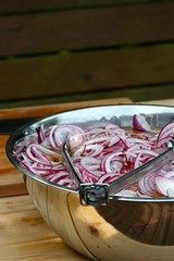 Soaking onions for pickles