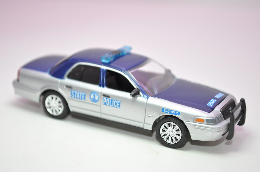 greenlight hot pursuit virginia state police crown victoria (2)