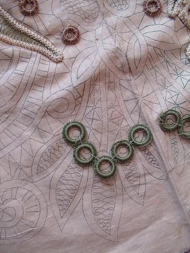 lower center back detail
