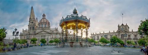 Catedral, Quiosco , Plaza de Armas, Palacio de Gobierno, Panoramica