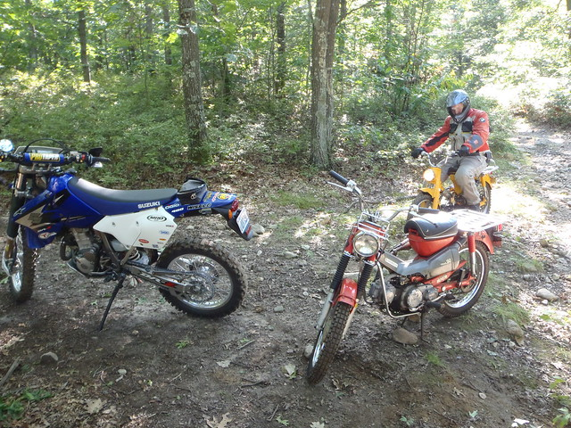 Erik on the CT90, my CT90 and Terry's DR-Z400S plastered in stickahs