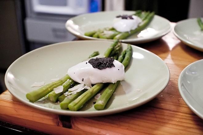 Asparagus / poached egg / truffle