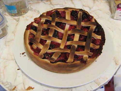 blackberry and raspberry pie