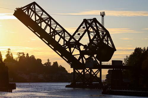 Salmon Bay bridge raised