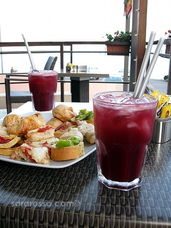 Aperitivo drink with lots of finger foods in Puglia
